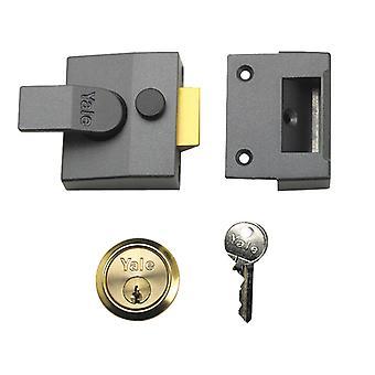 Yale Locks YALP85BLXPB P85 Deadlocking Nightlatch Brasslux Finish 40mm Visi