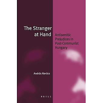 L'étranger à portée de main (broché) (identité juive dans un monde en évolution)