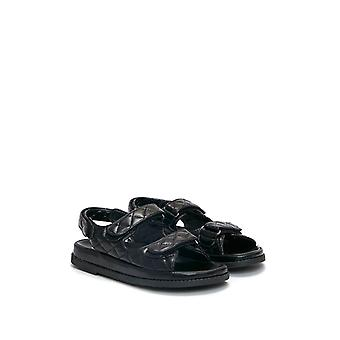 Gewatteerde sandalen