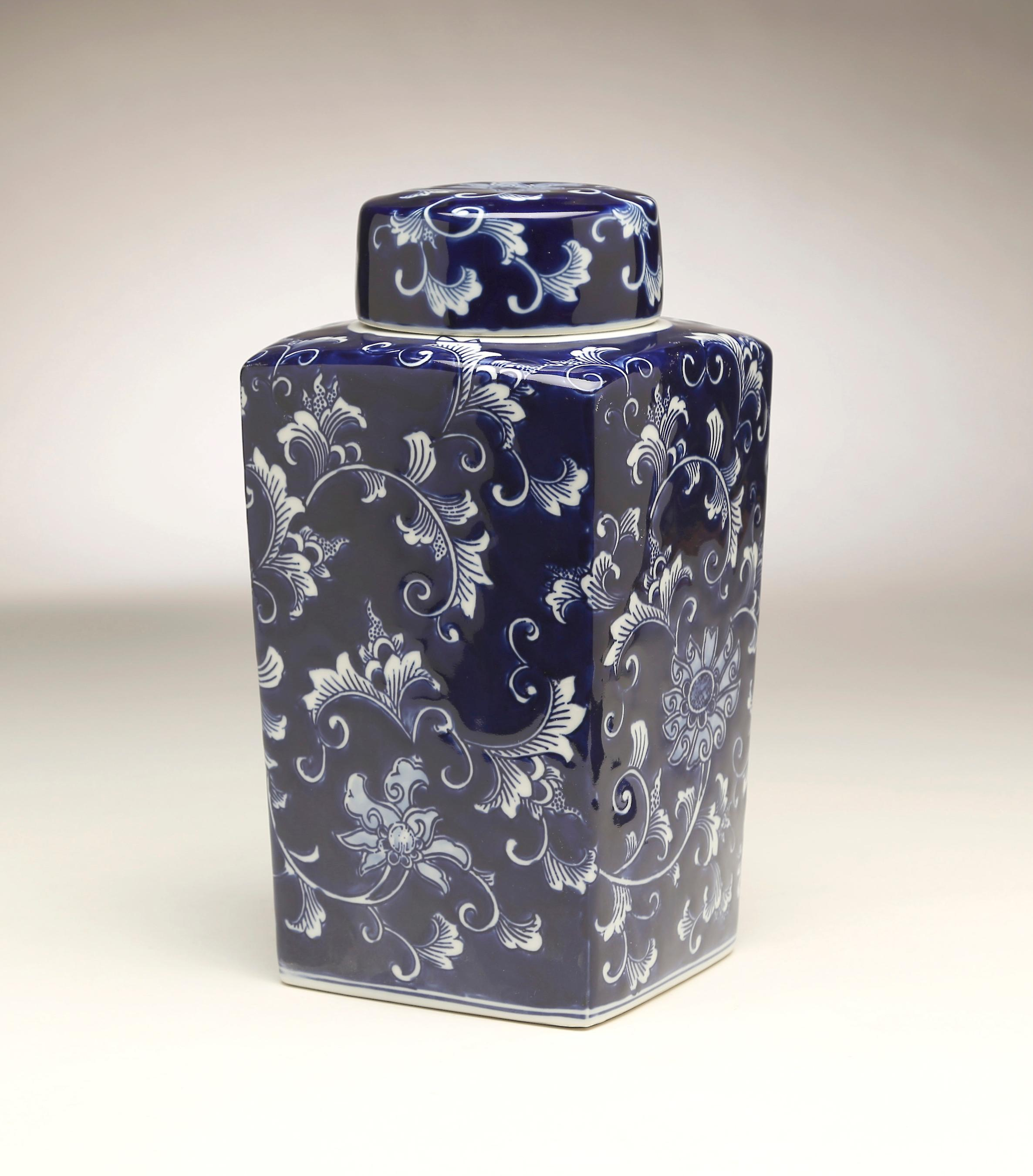 AA Importing 59948 12 Inch Square Blue & White Jar