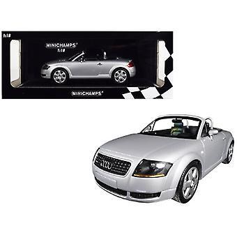 1999 Audi TT Roadster Silver Limited Edition à 300 pièces dans le monde 1/18 Diecast Model Car par Minichamps