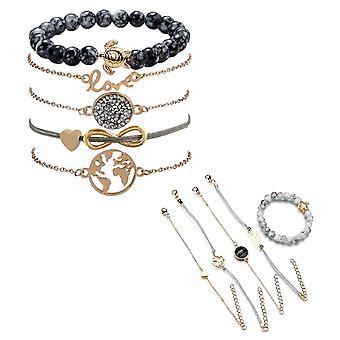 Auswahl an geschichteten stapelbaren Armbändern