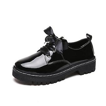 Women Flat Shoes British Retro Carving Oxford Women Casual Thick Flat Patent