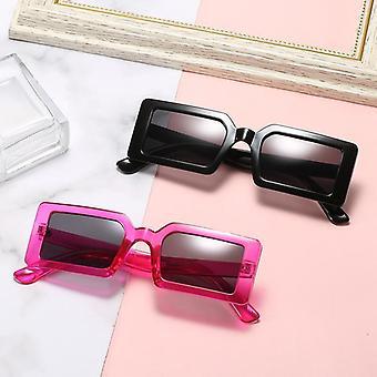 Lunettes de soleil à la mode avec des arcs rectangulaires en noir rose