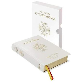 CTS New Sunday Missal - 1st Communion Edition: People's Edition with New Translation of the Mass