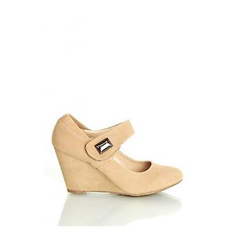 Kylie Wedge Shoes In Beige