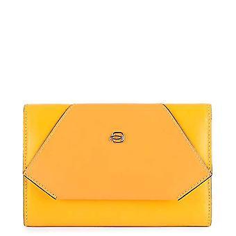 Piquadro Muse Travel Wallet, 16 cm, Azafrán