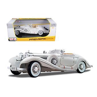 1936 Mercedes 500K Special Roadster White 1/18 Diecast Model Car par Maisto
