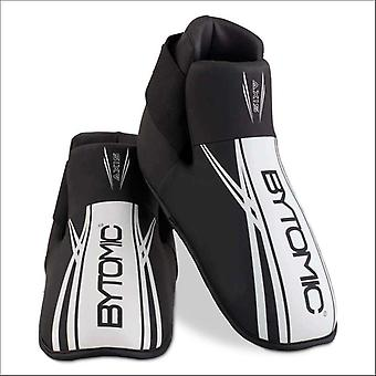 Bytomic axis v2 point fighter kick black/white