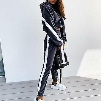 Pitkähihaiset crop-hupparit ja -housut - Velvet Joggers Suit