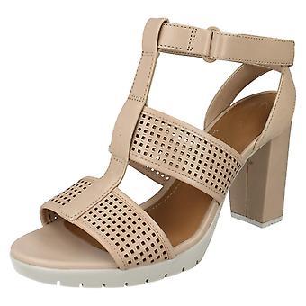 Ladies Clarks åpen tå høy hæl sandaler Pastina Castle