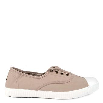 Victoria Shoes Dora Beige Canvas Plimsolls