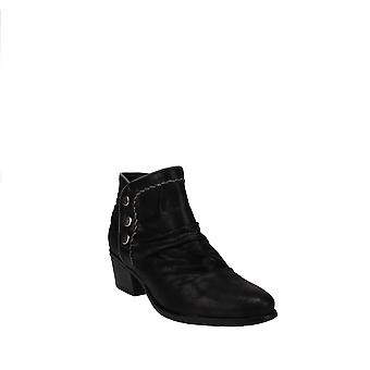 Baretraps | Bethany Ankle Boots