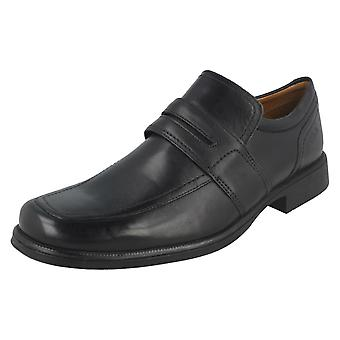 De formele Slip mens Clarks schoenen Huckley werk