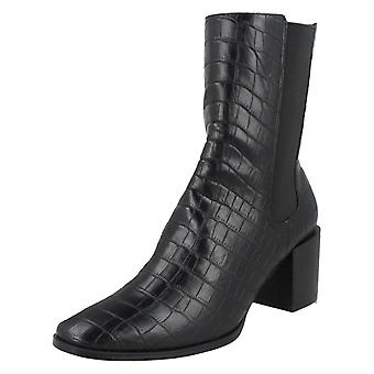 Ladies Spot On Chunky Blocked Heel Ankle Boots F51128