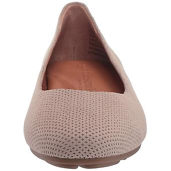 Gentle Souls Women's Eugene 2 Perf Ballet Flat Loafer