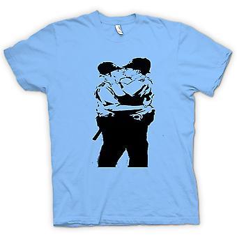 Kvinna T-tröja - Banksy Graffiti Art - Gay polis