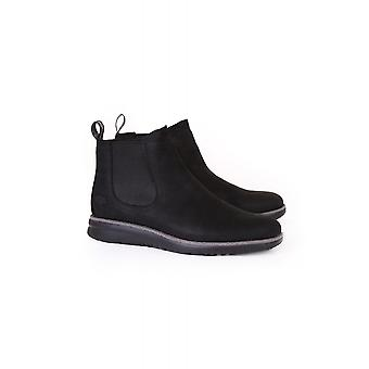 UGG Mens Union Waterproof Leather Chelsea Boot