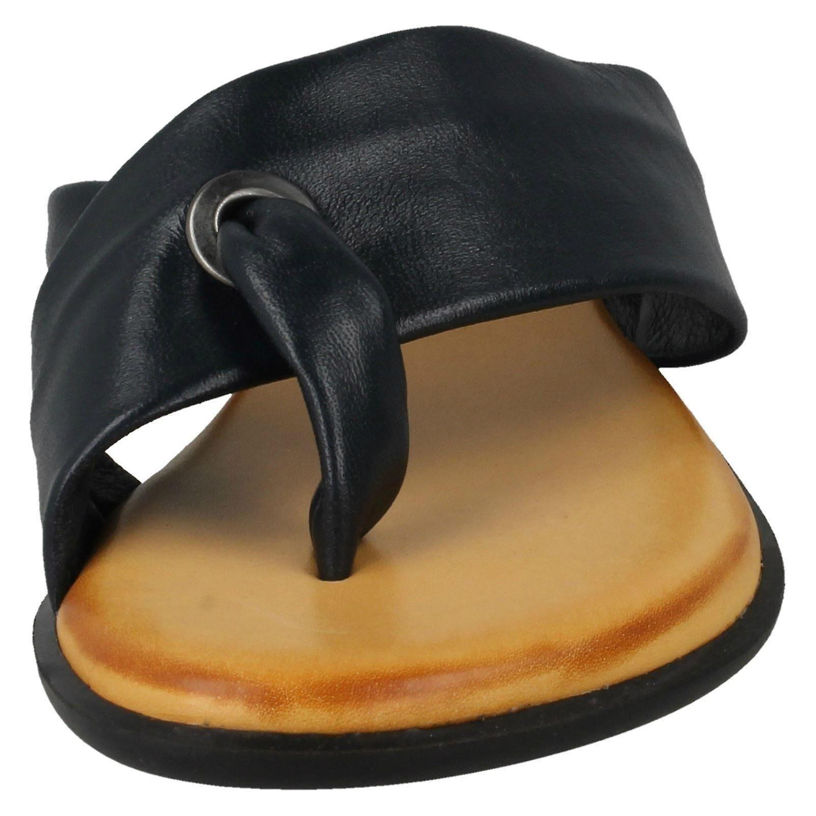 Ladies Leather Collection Toepost Sandals 9BIR7R