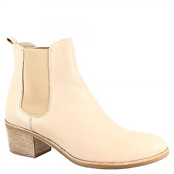 Leonardo Shoes Women's handmade fashion low squared ankle boots in taupe calf leather