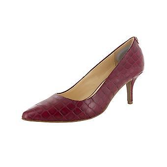 C. Wonder Womens Tara Croco Embossed Pump Shoes