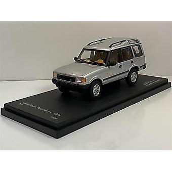 Land Rover Discovery Silver 1994 1:43 Scale Almost Real 410403