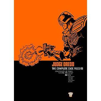 Judge Dredd - v. 6 - Complete Case Files by John Wagner - Alan Grant -