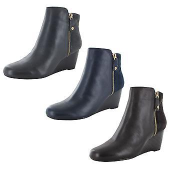 Isaac Mizrahi Live Womens Kierra Wedge Ankle Boots