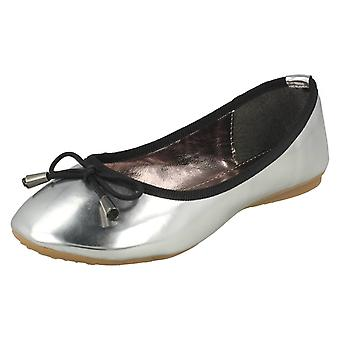Spot On Flat Ballerina / Bow Trim Vamp (Silver, Size 13 Child UK)