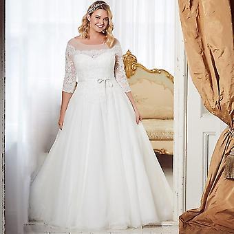Elegant Three Quarter Sleeves Lace Wedding Dress