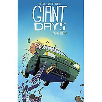 Giant Days Vol. 12 (Giant Days)