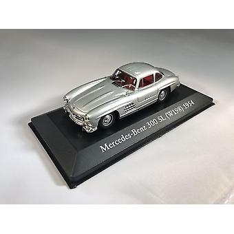 Mercedes Benz 300 SL Gullwing (1954) Diecast Model Car