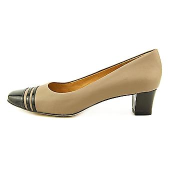 Auditions Womens Classy Leather Square Toe Classic Pumps