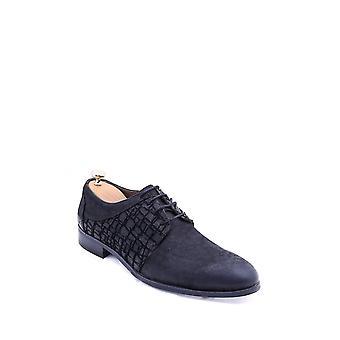 Mokkakuvioinen musta kenkä | Kävi koulua wessi