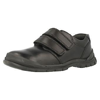 男の子 Startrite 足を引きずる耐性のある学校靴エンジニア