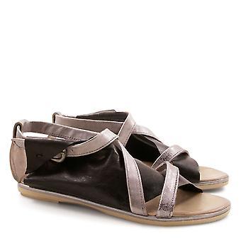 Håndlaget flatt strappy sandaler for kvinner Made in Italy