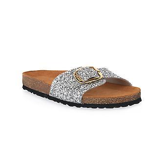 Frau glitter silver shoes