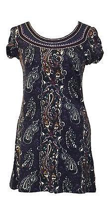فستان بطباعة زهر بكشكش