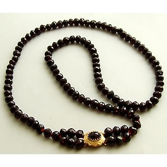 Garnet necklace with gold lock