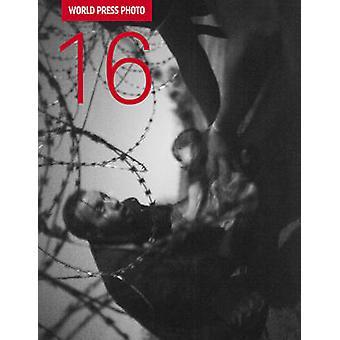 World Press Photo - 2016 by Kari Lundelin - Lars Boering - World Press