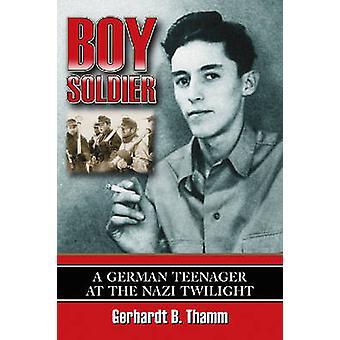 جندي صبي-مراهق ألماني في غسق النازية قبل غيرهارد ب ال