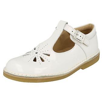 Meisjes Startrite uitgesneden gedetailleerde T-Bar schoenen Lottie