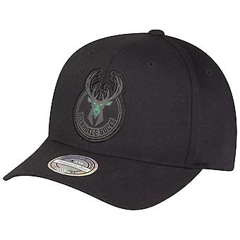 Mitchell & Ness 110 Flexfit Snapback Cap - Milwaukee Bucks