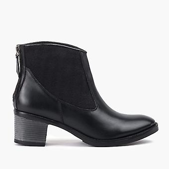 Megan black ankle leather boot