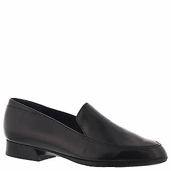 Munro Womens Harrison Closed Toe Loafers