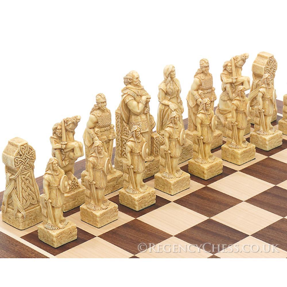Celtic Mahogany chess set