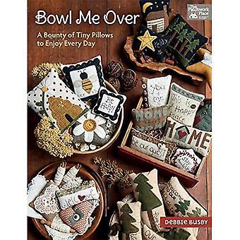 Bowl Me Over: una taglia di piccoli cuscini per godere ogni giorno