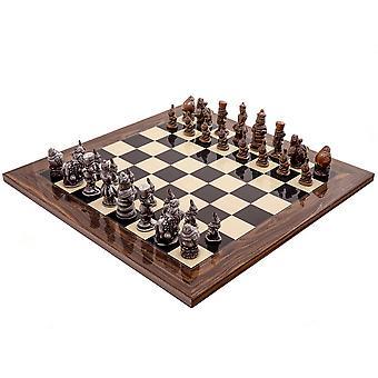أليس في بلاد العجائب المعادن ومجموعه الشطرنج المأمون بالشطرنج بيركلي