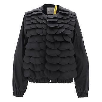 Moncler Genius 4520205c0040999 Women's Black Nylon Outerwear Jacket