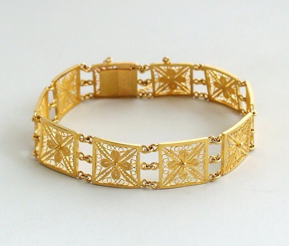 21 carat gold filigree bracelet